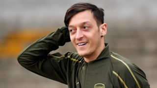 Mesut Ozil, Arsenal training