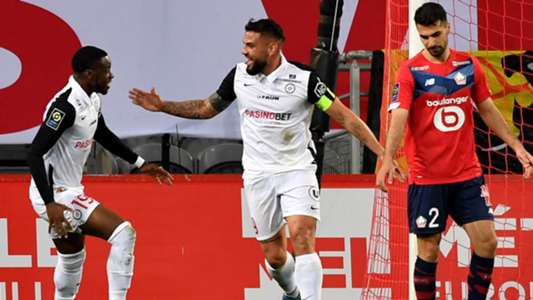 Delort scores while Montpellier extends the unbeaten run against Lille