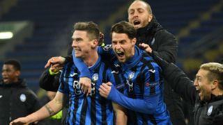 Gosens Shakhtar Atalanta celebrating Champions League