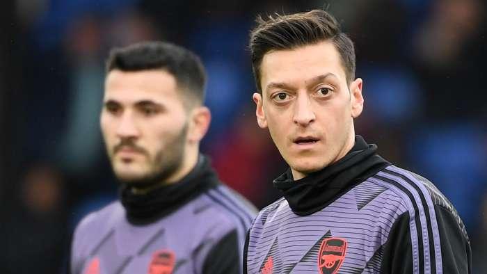 Sead Kolasinac Mesut Ozil Arsenal 2020