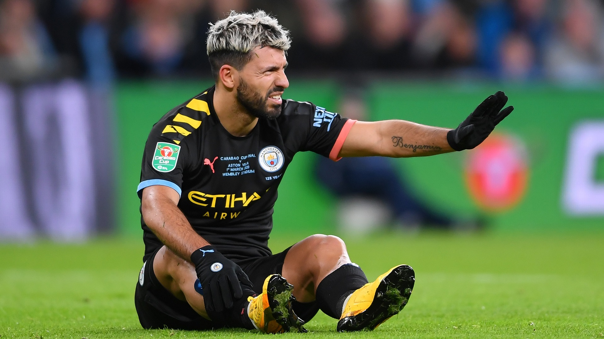 Aguero blow for Barcelona as striker ruled out for 10 weeks with calf injury