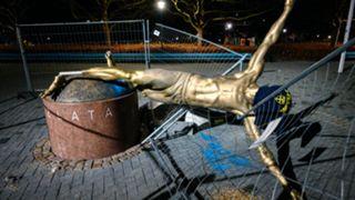 ibrahimovic malmo statue