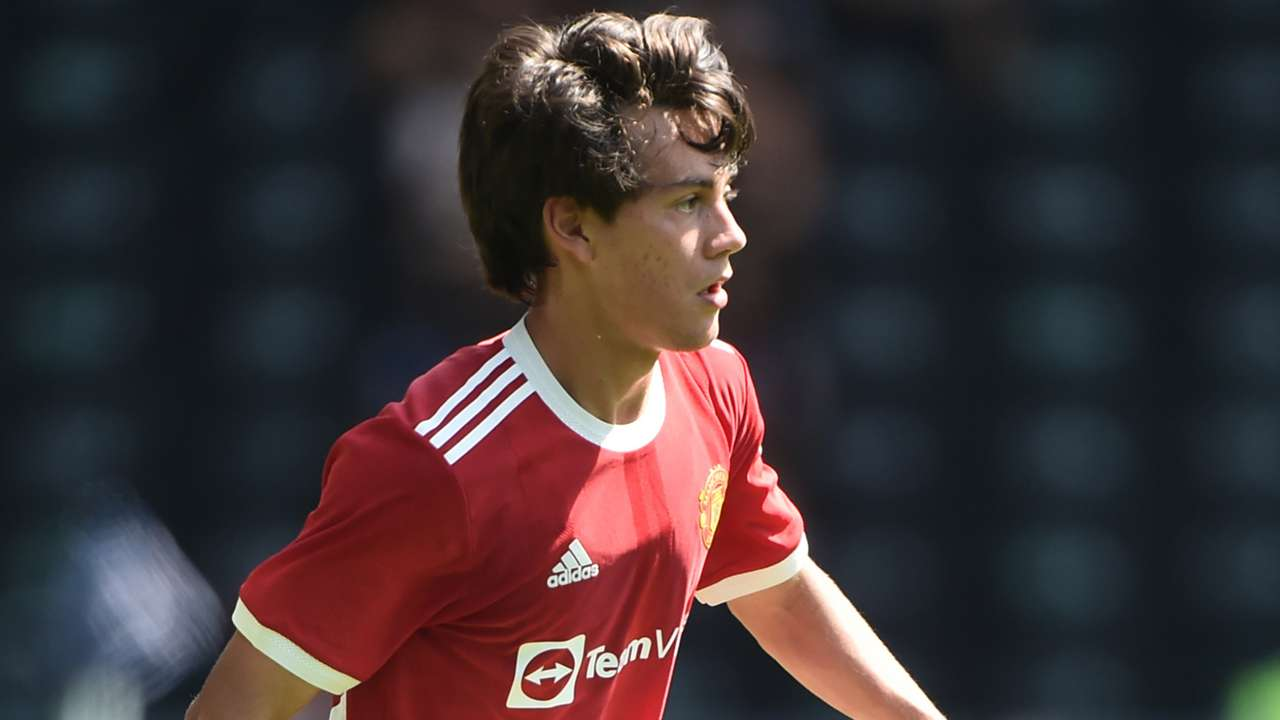 Facundo Pellistri Man Utd 2021-22