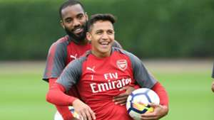250817 Arsenal training Alexis Sánchez Alexandre Lacazette