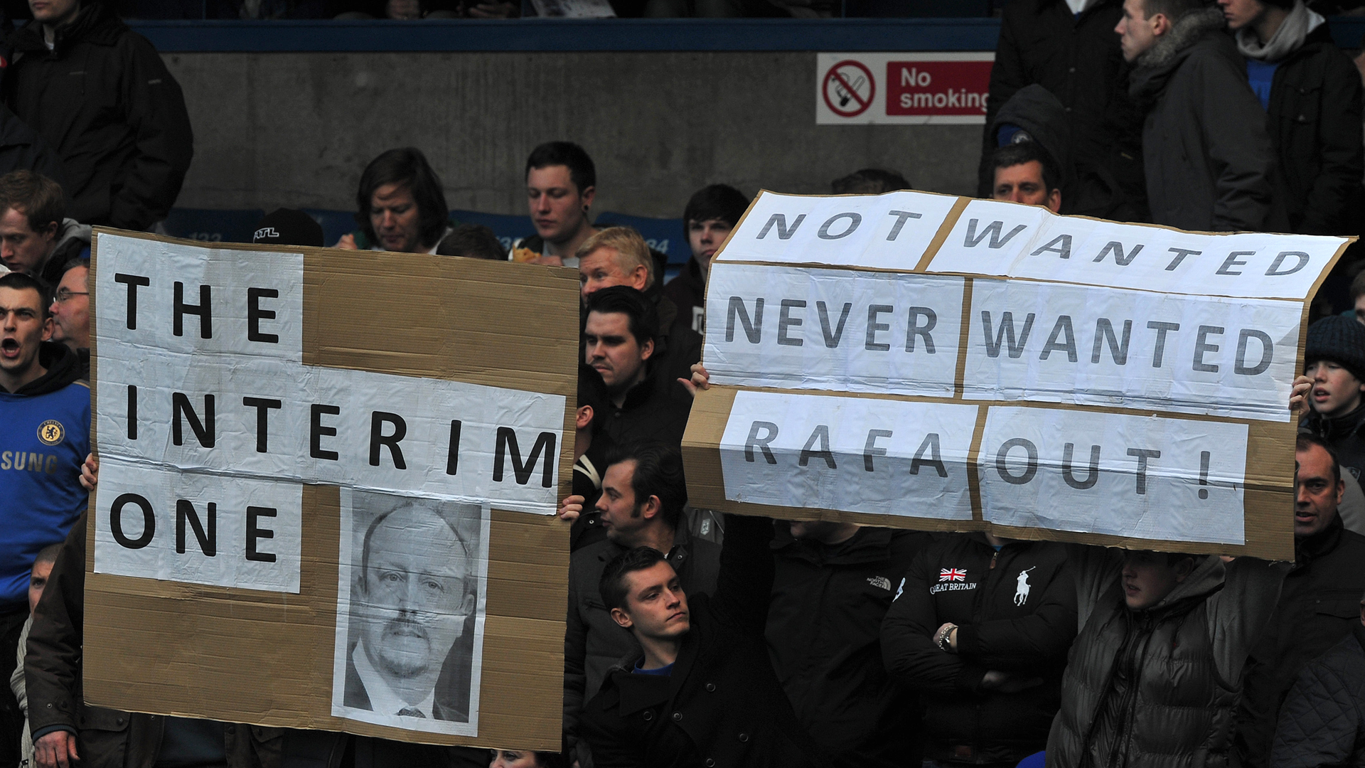 Rafa Benitez banner at Stamford Bridge