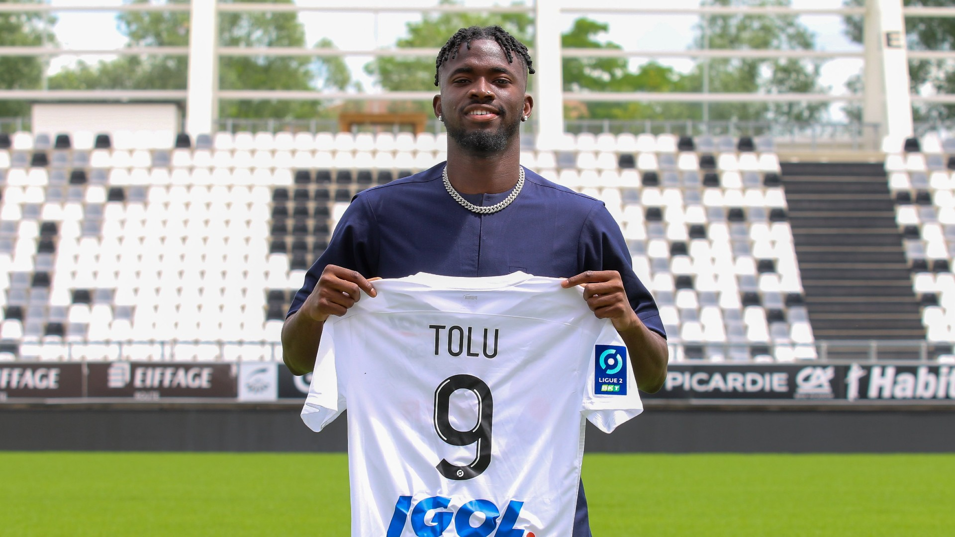 Arokodare: Amiens SC sign Nigerian teenager on loan from Valmeiras