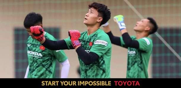 Dương Tùng Lâm: Không muốn được biết đến chỉ vì ngoại hình! | Goal.com
