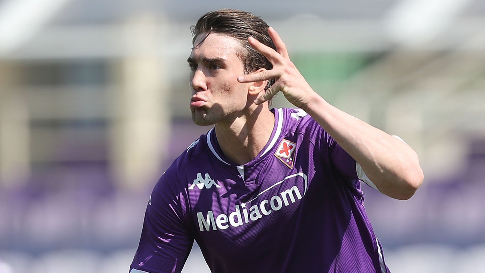 Man City & Spurs-linked Vlahovic has transfer interest but Fiorentina yet to set price tag