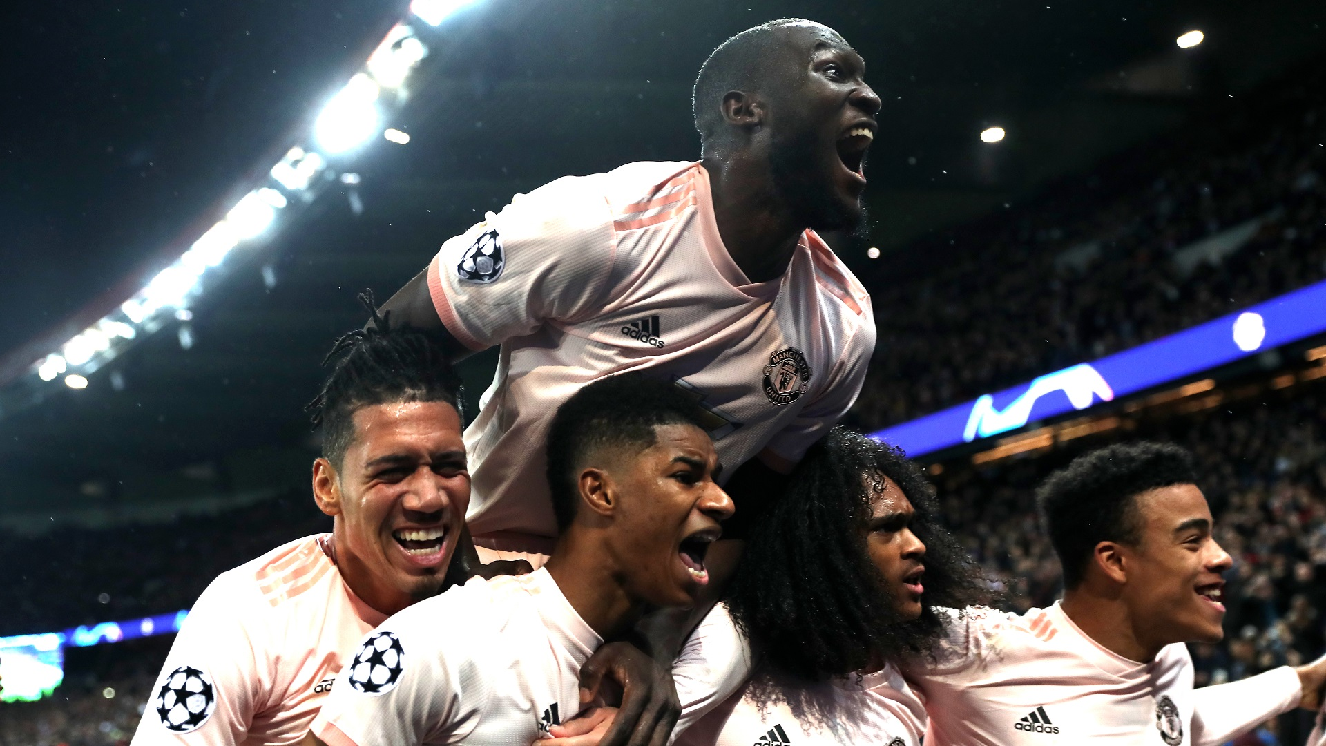 Romelu Isn T Afraid To Dim His Light For Others To Shine Rashford Says Brother Lukaku Knew Psg Penalty Was His Moment Goal Com