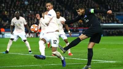 Thiago Silva Chris Smalling PSG Manchester United UEFA Champions League 06032019