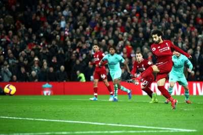 Mohamed Salah penalty Liverpool vs Arsenal Premier League 291218