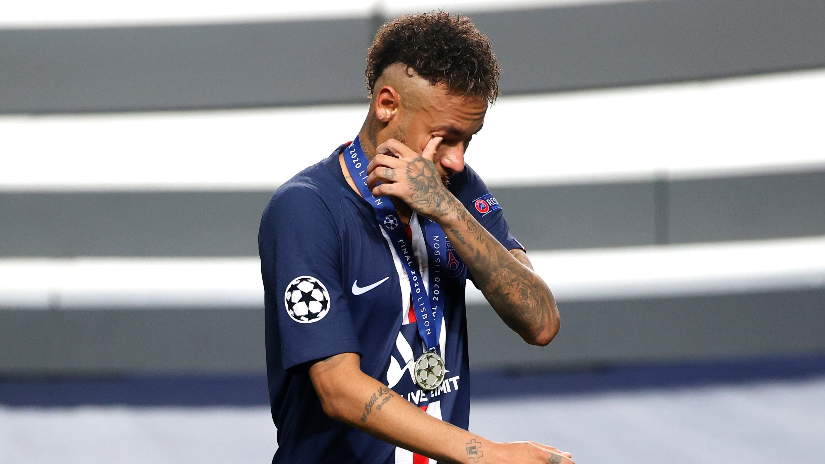 Neymar congratulates wrong team after PSG lose to Bayern ...
