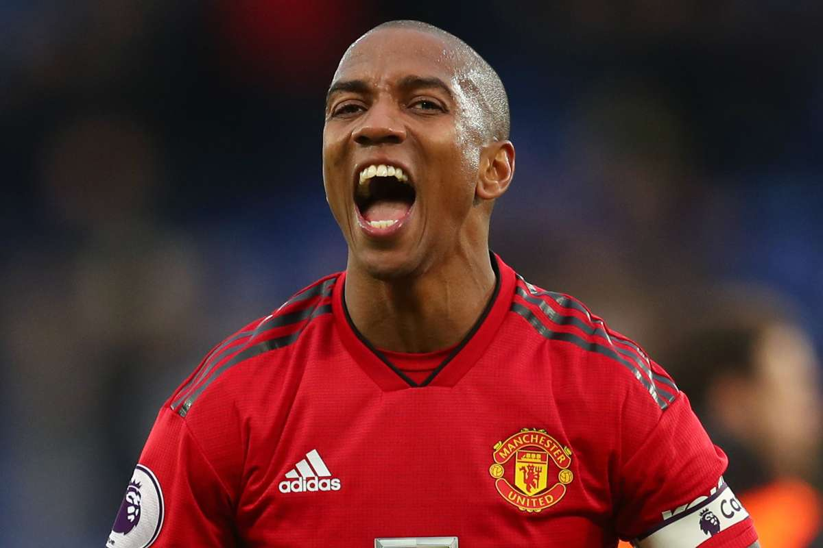 Manchester United News Ashley Young Is The Red Devils James Milner Veteran Leader Defended Over Form By Paul Ince Goal Com