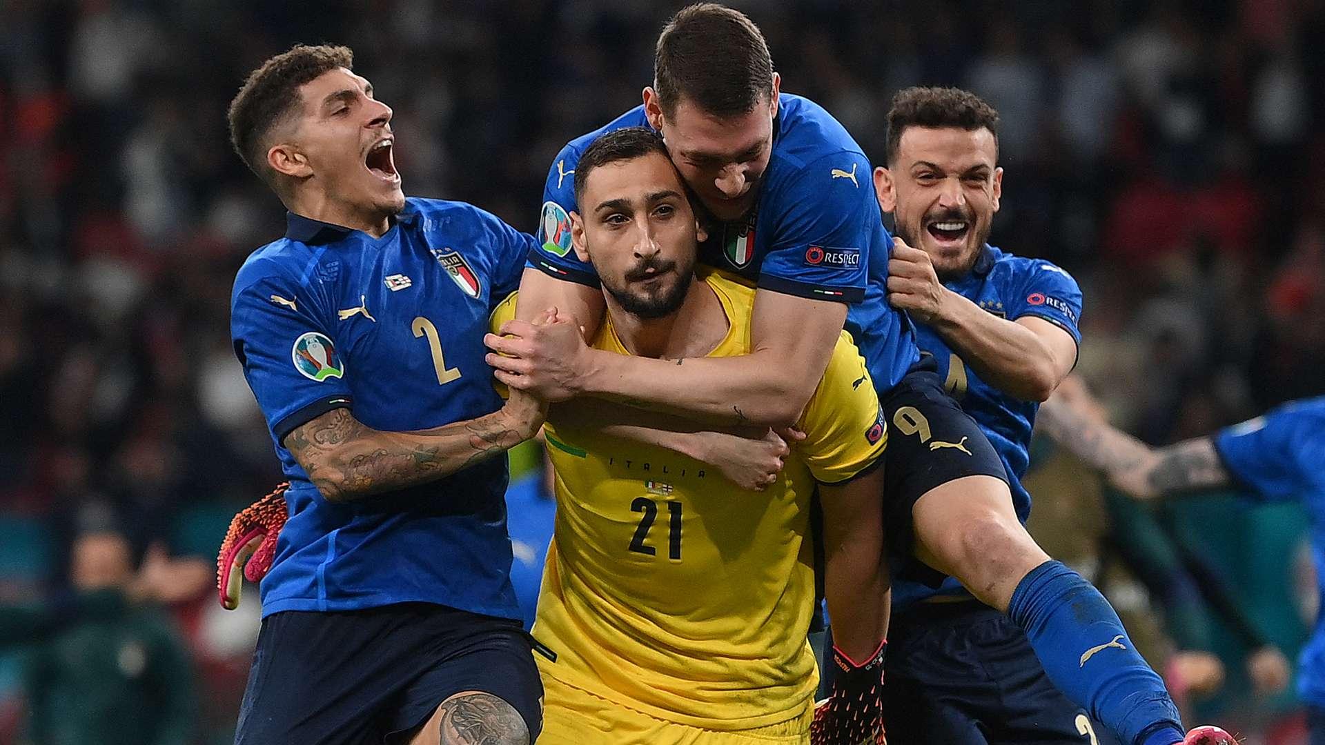 Mengapa Gianluigi Donnarumma Tak Selebrasi Usai Tepis Penalti Bukayo Saka?  | Goal.com
