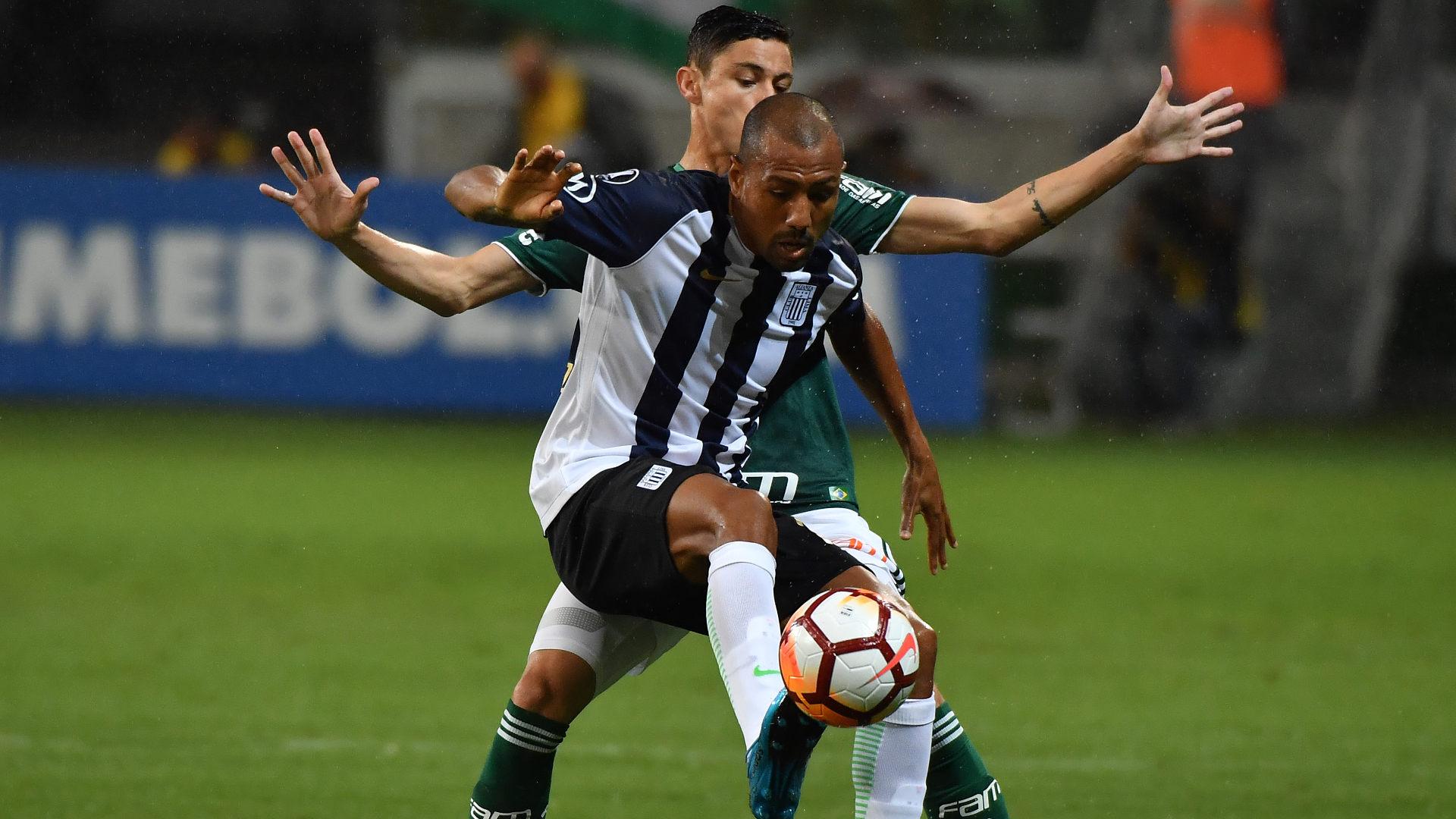 Diogo Barbosa Luis Ramirez Palmeiras Alianza Lima 03042018 Copa Libertadores