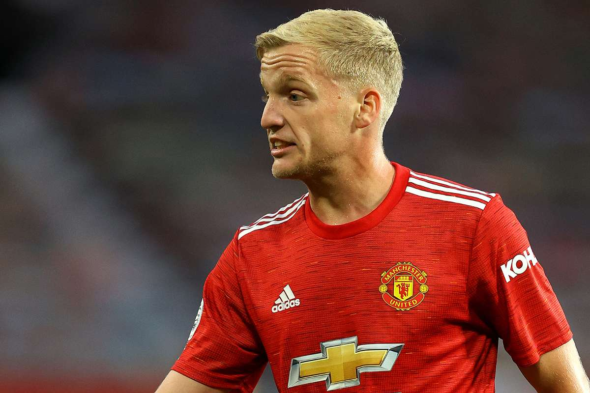 Man Utd Don T Need Van De Beek Evra And Neville Question Midfield Addition Goal Com
