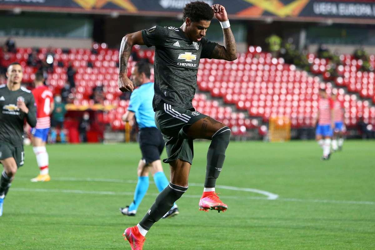 Rashford equals Charlton's 56-year-old Man Utd record after netting in  Europa League clash with Granada | Goal.com