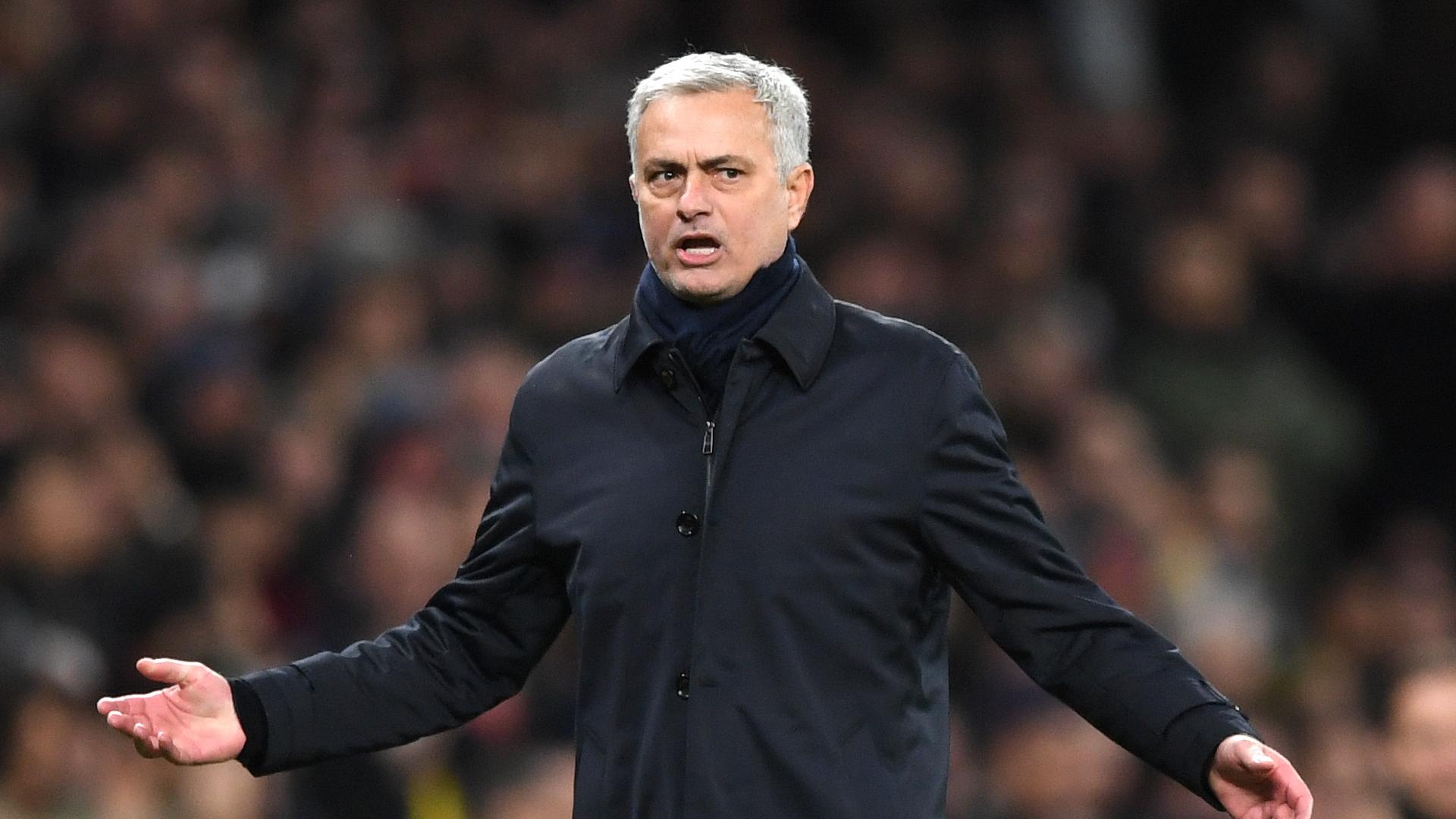 Mourinho: Goal-line technology doesn't make mistakes like VAR