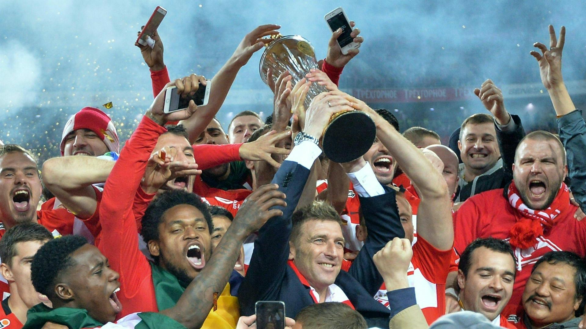 Massimo Carrera celebrates Spartak title