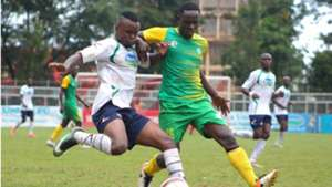 Shami Kibwana of Thika United v Bolton Omwenga of Kariobangi Sharks.
