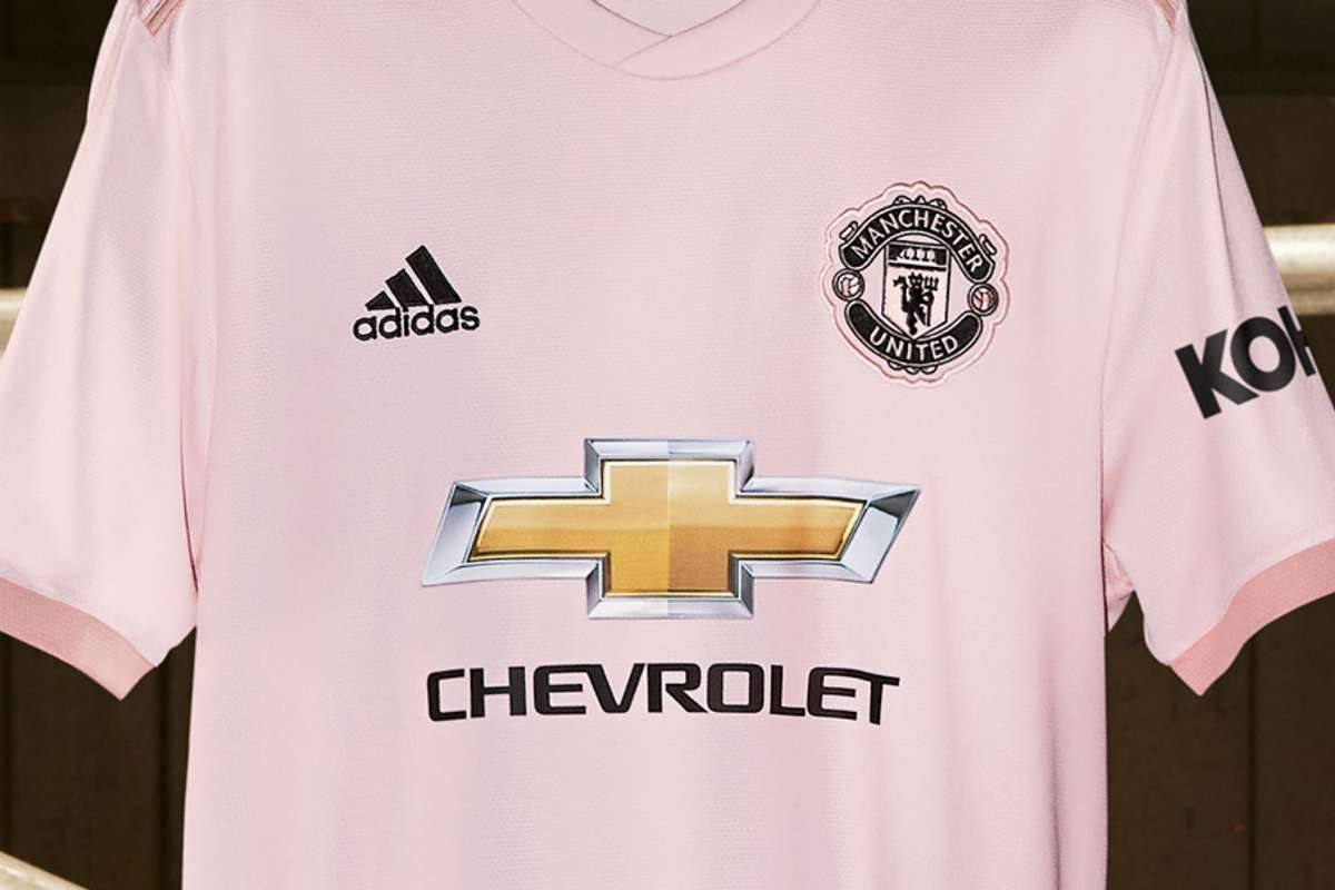 manchester united pink kit red devils unveil new away strip amid premier league struggles goal com manchester united pink kit red devils