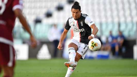 Ronaldo nói gì khi sút phạt thành bàn sau 42 lần 'hỏng ăn'? | Goal.com