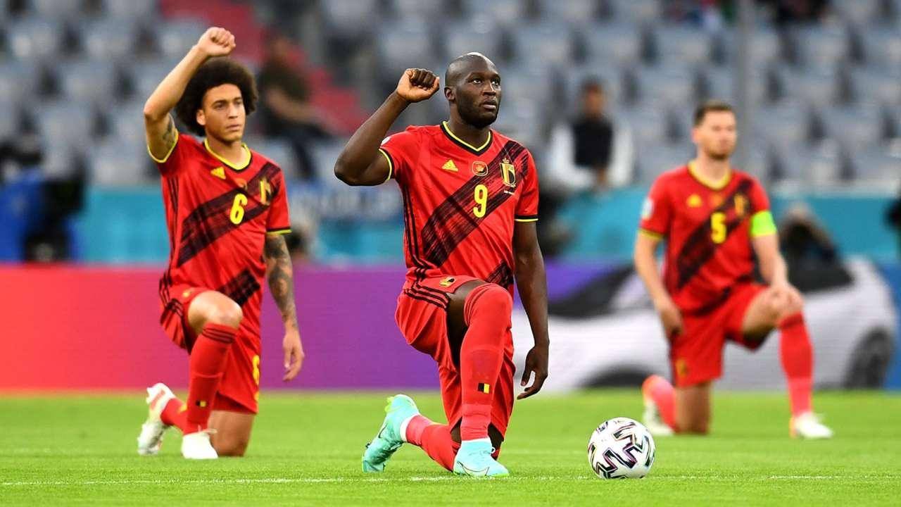Romelu Lukaku Belgium knee
