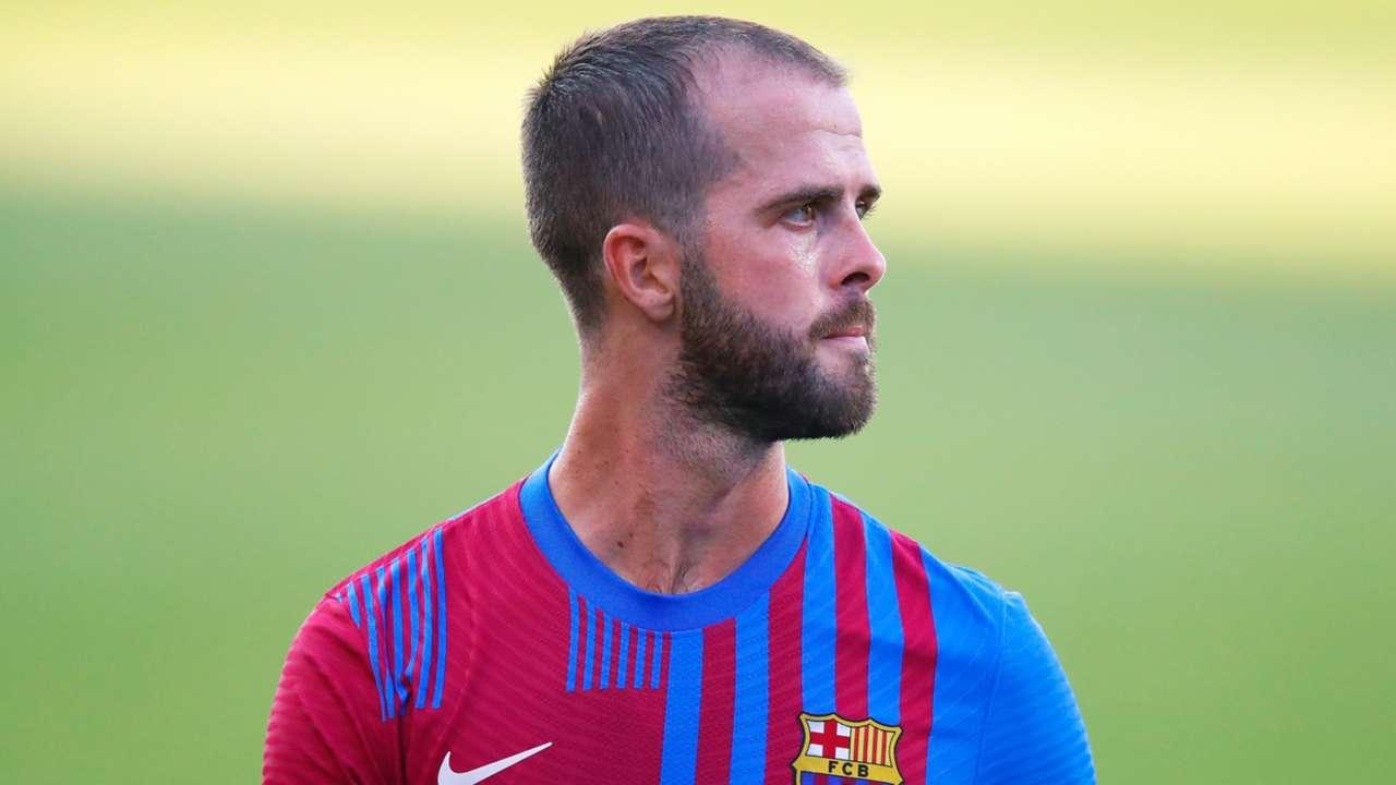 Miralem Pjanic Barcelona 2021-22