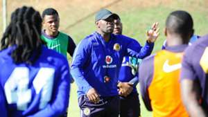 Steve Komphela at Kaizer Chiefs training