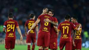 Roma celebrating Genoa