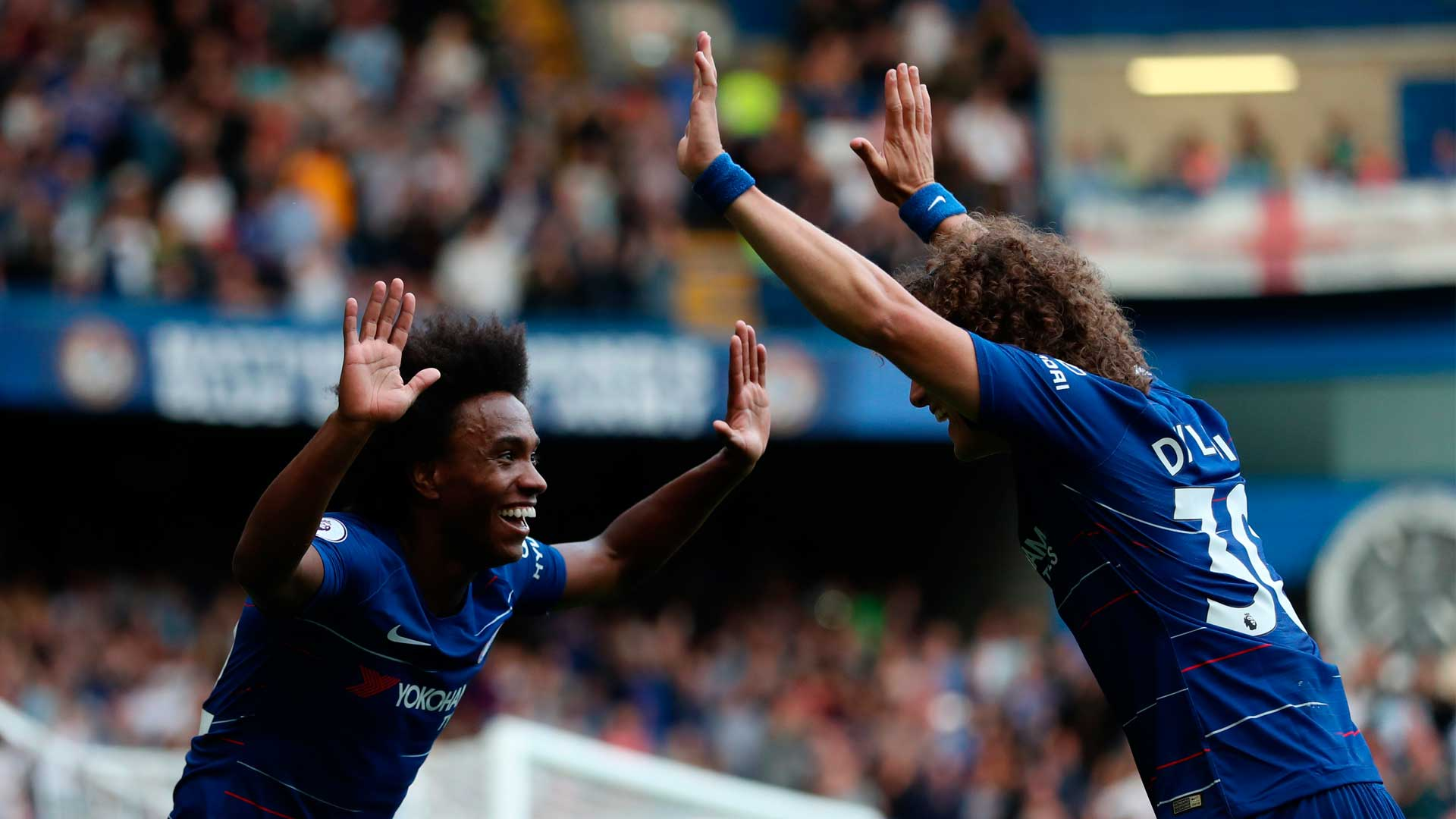 Barcelona 'set to snap up' Chelsea star Willian AND Napoli ...