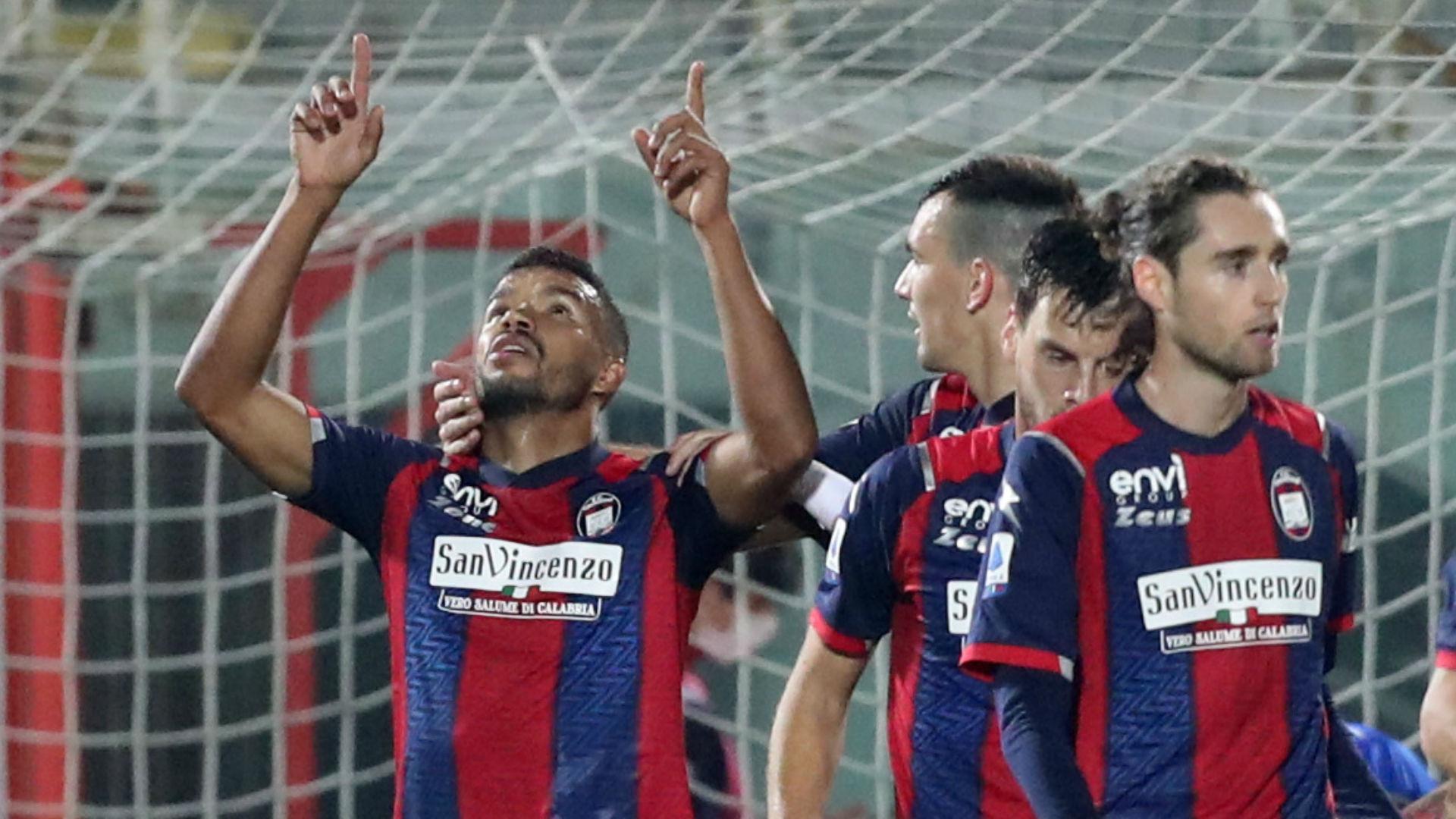 Serie A, Messias trascina il Crotone: doppietta e Parma ko