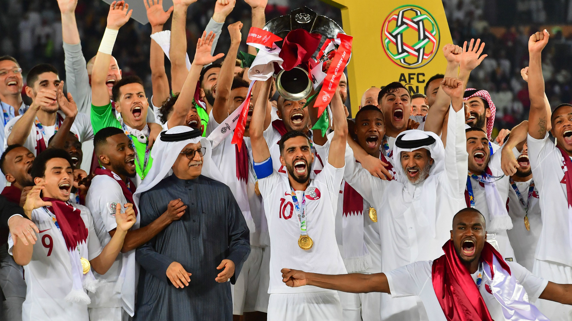 Iraq legend Younis Mahmoud to Korean and Japanese clubs - 'Enjoy the experience of playing in the 2022 World Cup stadiums'