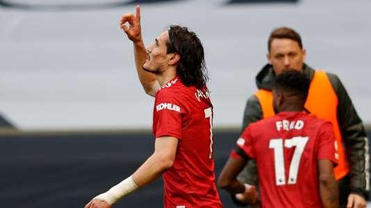 Neville se félicite de la prolongation de Cavani | Goal.com