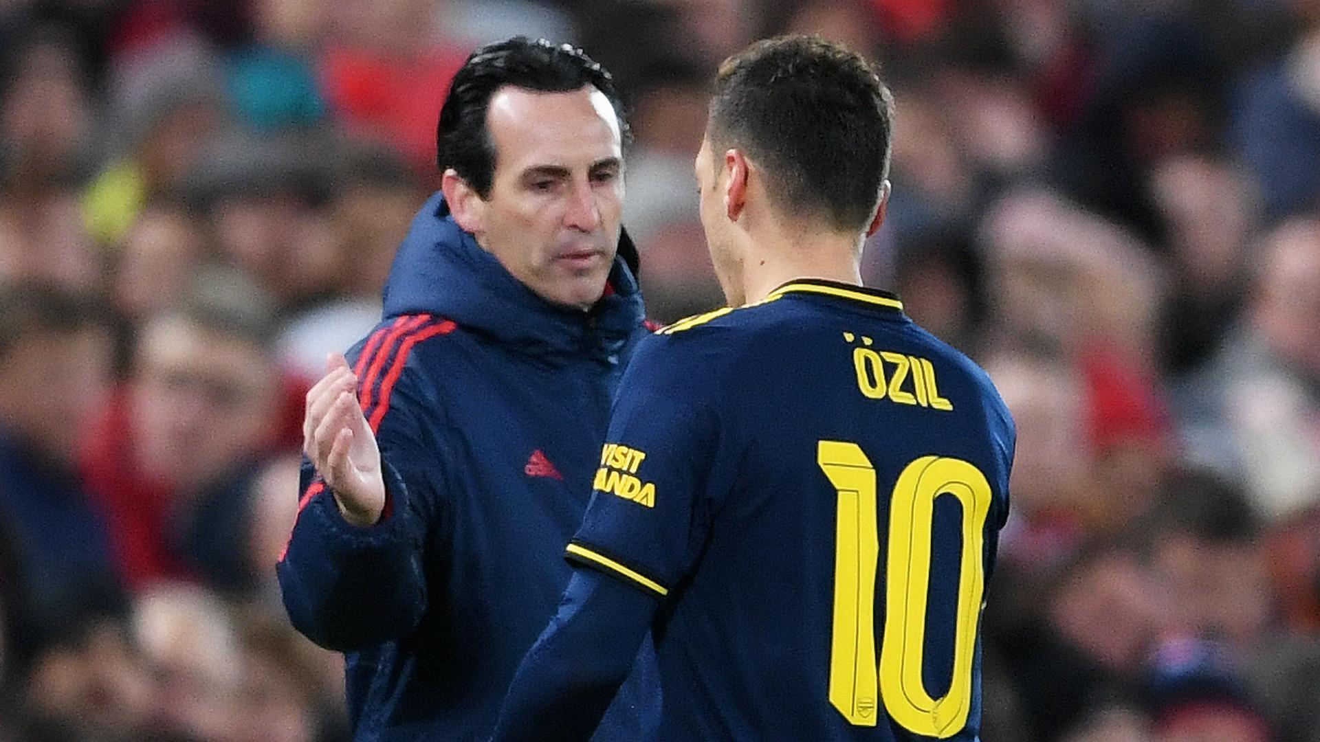 Unai Emery Mesut Ozil Arsenal 2019-20