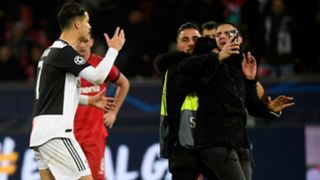 Cristiano Ronaldo selfie Bayer