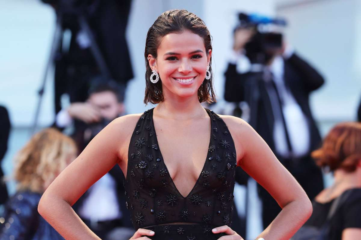 Who Is Bruna Marquezine Everything You Need To Know About Neymar S On And Off Girlfriend Goal Com