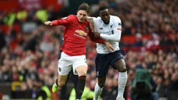 Victor Lindelof Divock Origi Manchester United Liverpool