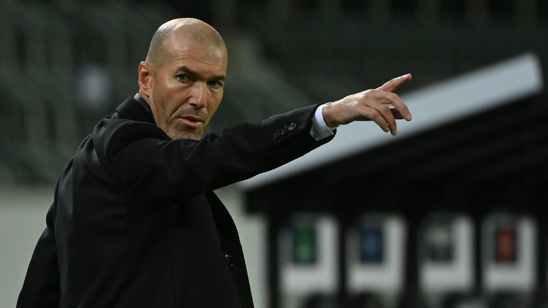 'Zidane has enough credit for two seasons without a trophy' - De la Red defends under-fire Real Madrid boss