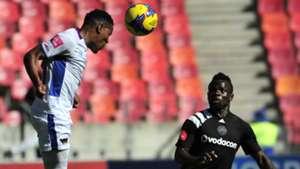 Sizwe Mdlinzo of Chippa United and Bernard Morrison of Orlando Pirates
