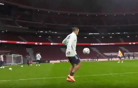 VIDEO - Zauberfuß Thiago! Bayern-Star zeigt seine Technik-Skills im Training der Spanier