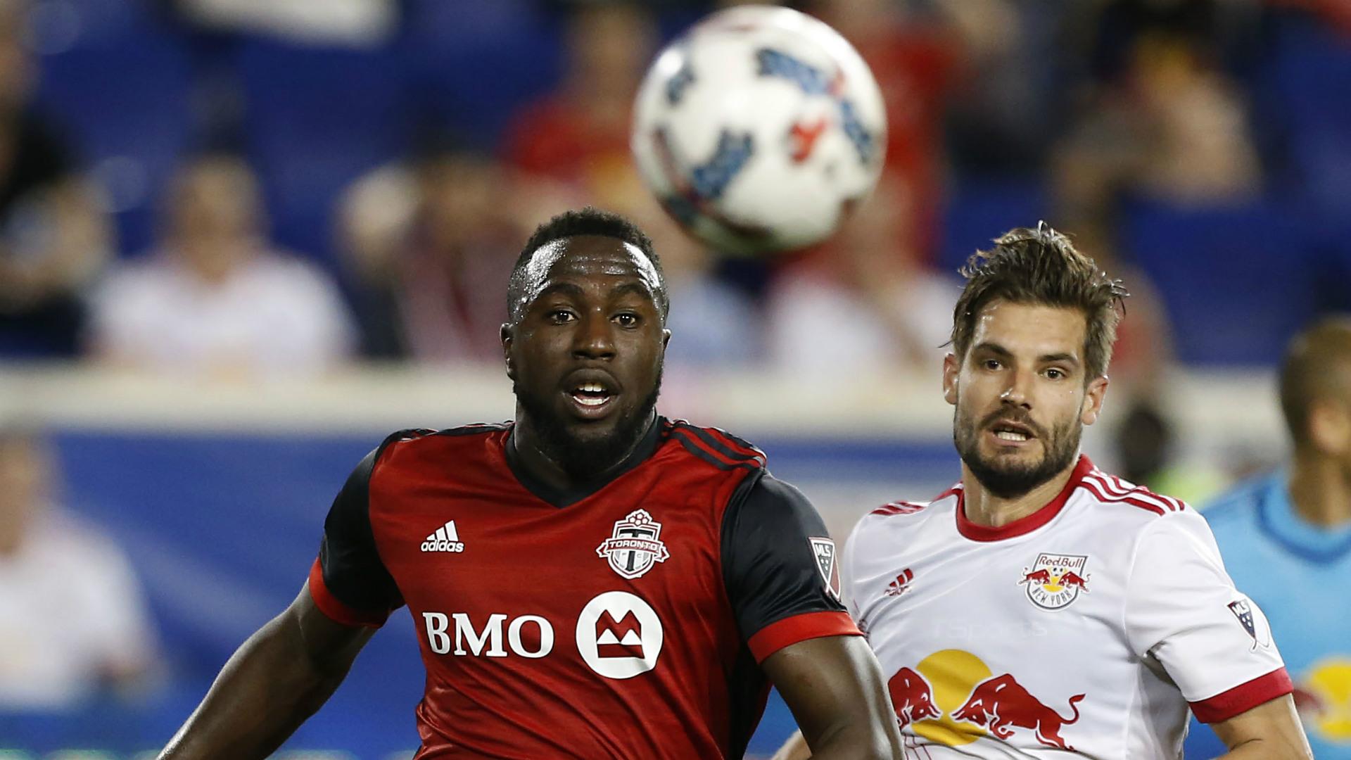 Jozy Altidore Damien Perinelle MLS Toronto FC Red Bulls 05192017