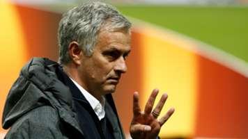 Mourinho y los 25 momentos más sonados de su carrera: Polémicas, premios y otro sinfín de historias