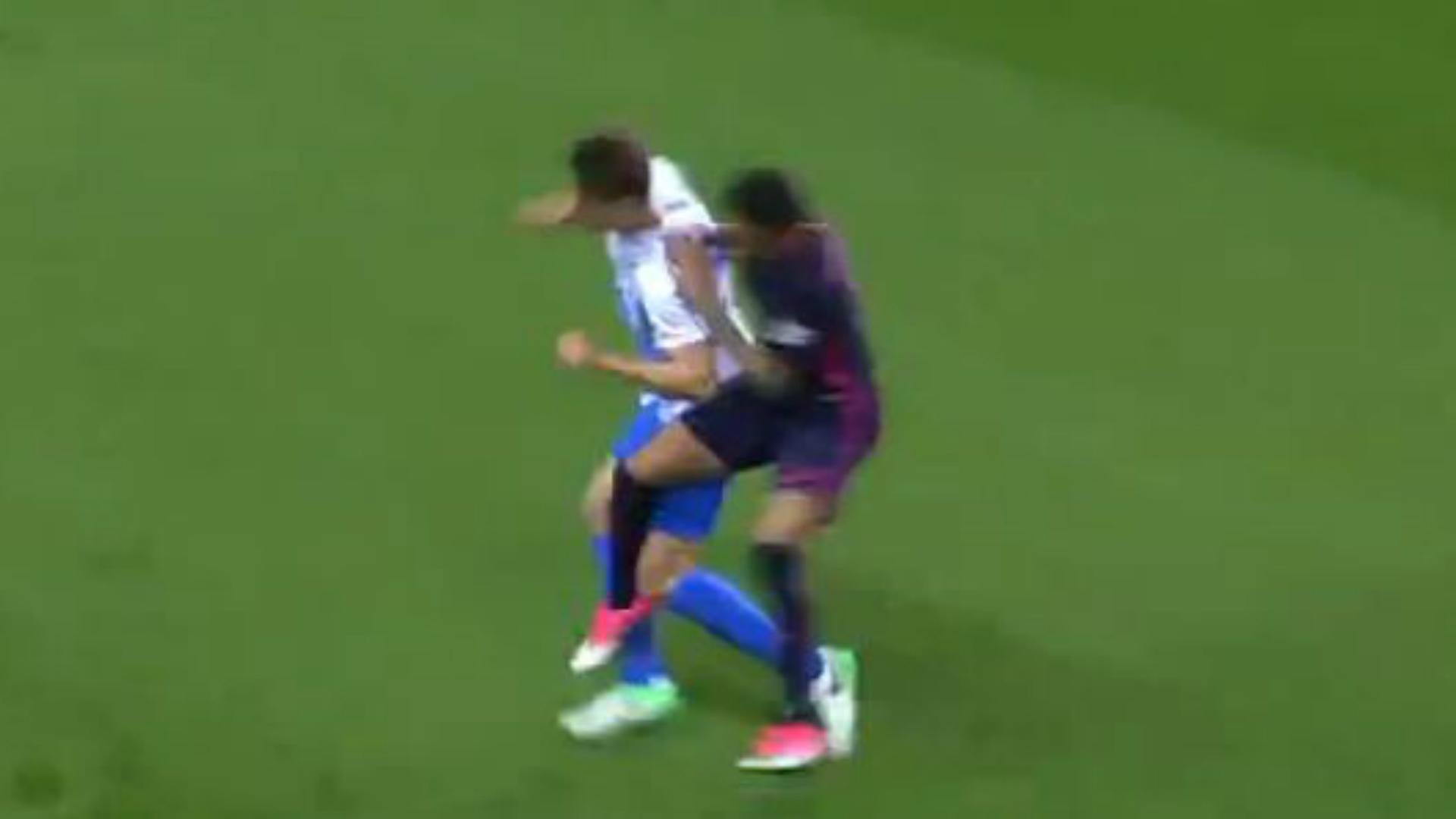 BODY ONLY Neymar Malaga Barcelona kick