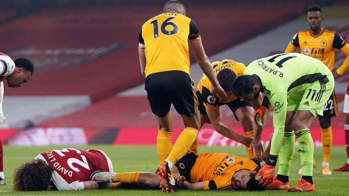 David Luiz Raul Jimenez Arsenal Wolverhampton Premier League