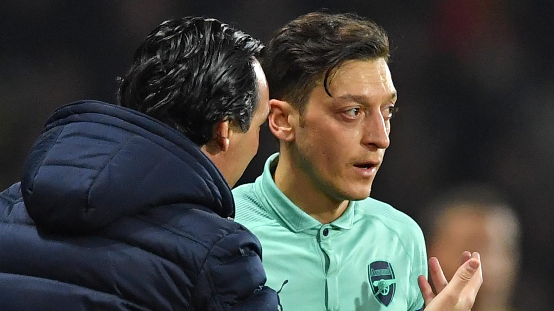 Unai Emery, Mesut Ozil, Arsenal