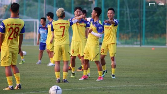 U22 và ĐT Việt Nam đấu nội bộ trước vòng loại World Cup | Goal.com