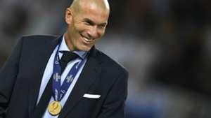 zinedine zidane - uefa supercup - real madrid manchester united