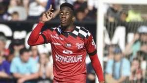 Yeni Ngbakoto: Congo DR midfielder leads Guingamp past Le Mans