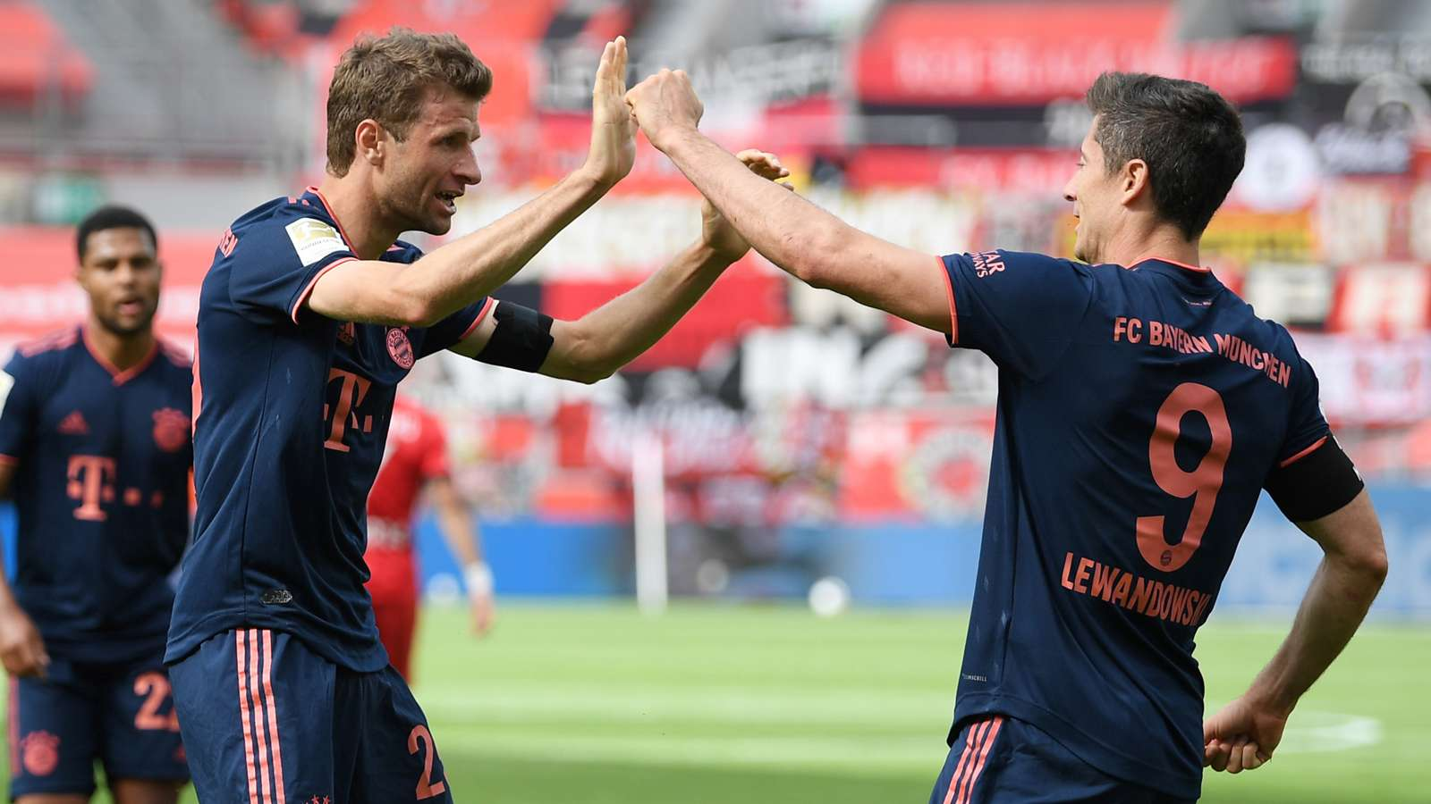 Thomas Muller Robert Lewandowski Bayern 2019-20